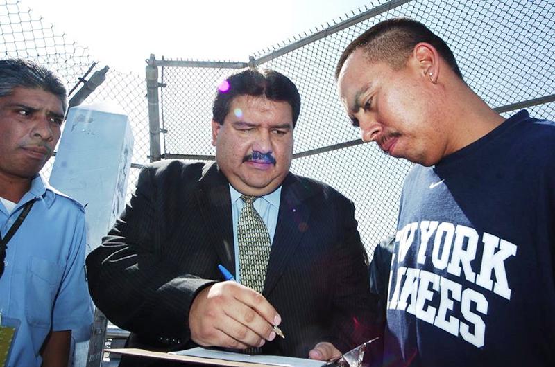 Abogados objetan audiencias de deportación en persona