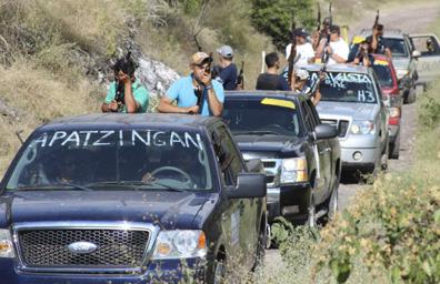 México legaliza autodefensas; detiene líder narco