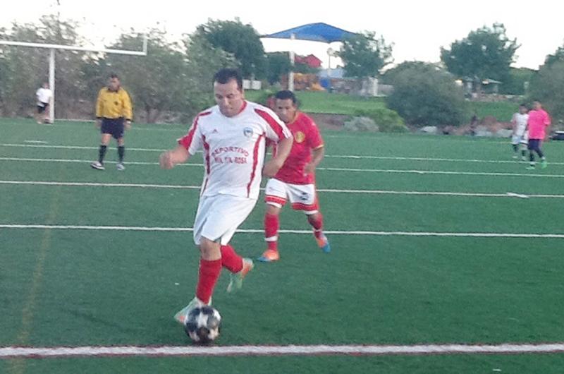 Noe Mejías... enamorado del futbol y la disciplina