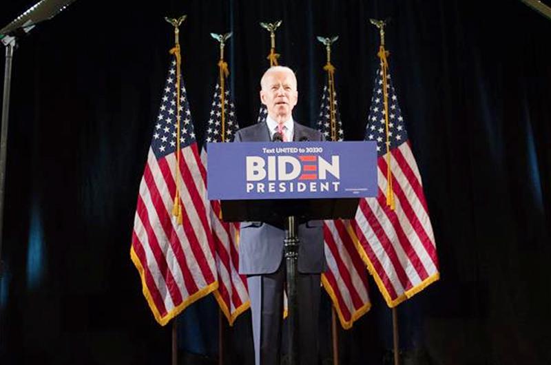 Tras la polémica de Trump por el coronavirus Biden busca sacar ventaja