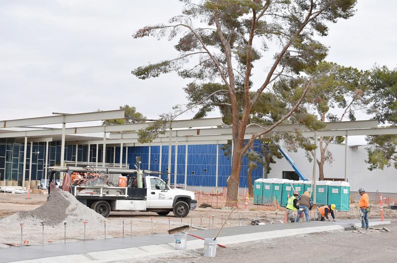 Avanza construcción de hermosa biblioteca para la comunidad del Este de LV