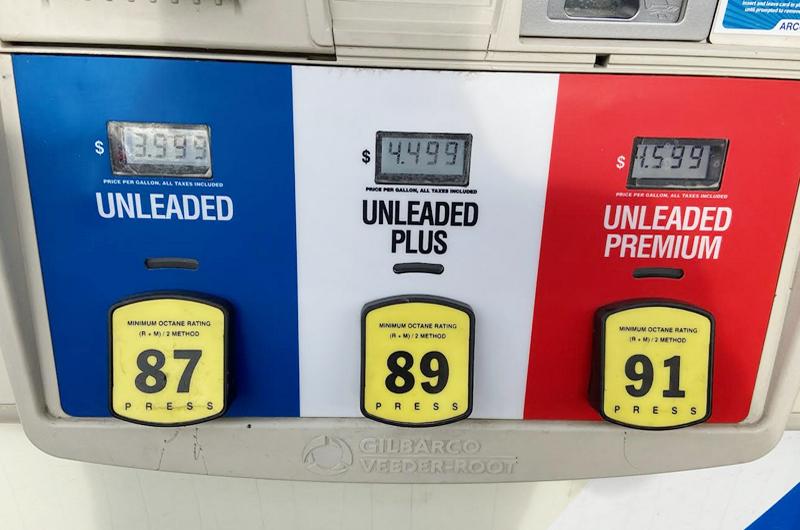 Precios más altos para la gasolina y en ocasiones no hay