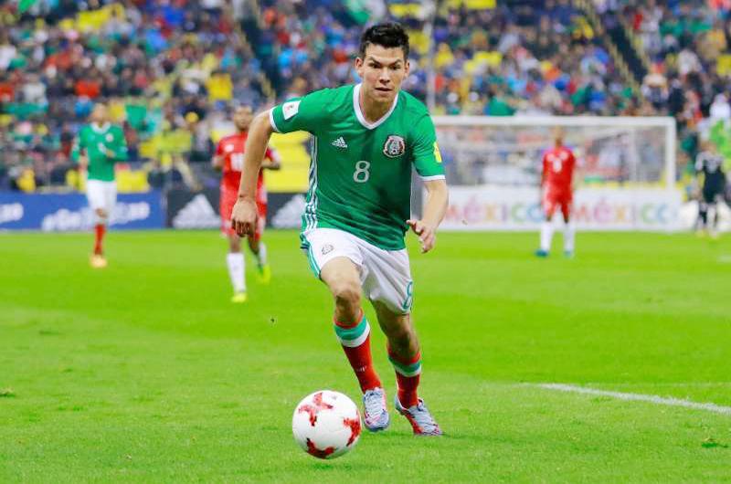 """""""Chucky"""" Lozano vuelve a destacar entre futbolistas mexicanos"""