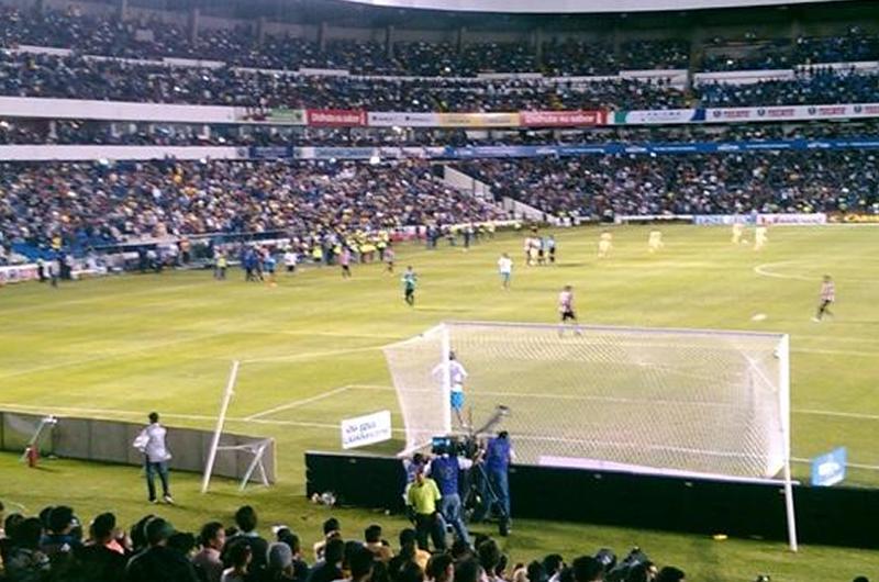 Aficionados en Querétaro compran boletos para América vs León