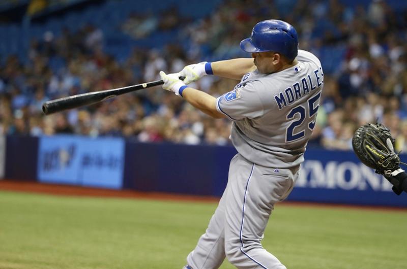 Pierde Azulejos y cubano Morales se queda sin record de Grandes Ligas