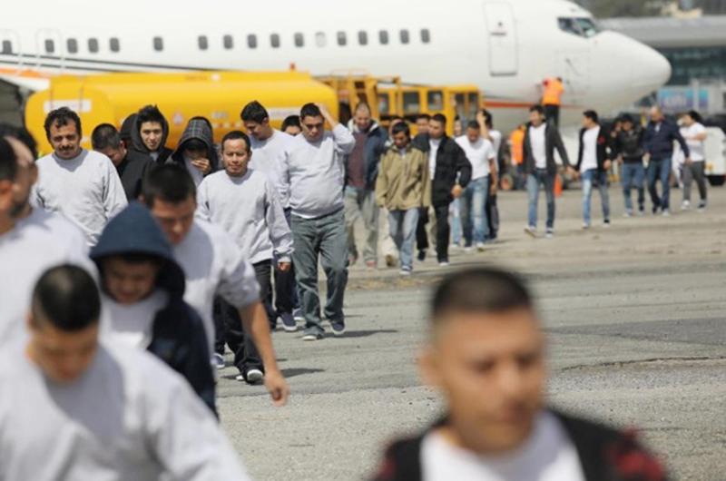 Un récord de 151 mil mexicanos en  juicios de deportación en Estados Unidos