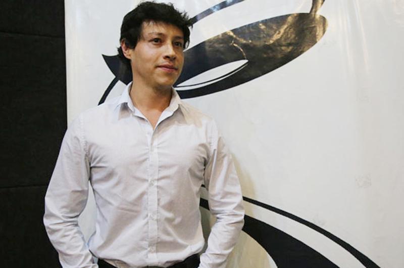 Reynaldo Pacheco, del teatro callejero a las Grandes Ligas