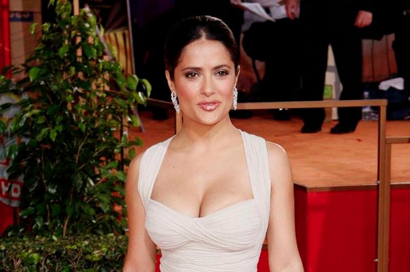 """Salma Hayek y elenco de """"Monarca"""" celebran con mariachi"""