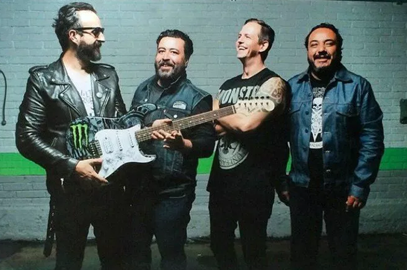 Molotov regresa al