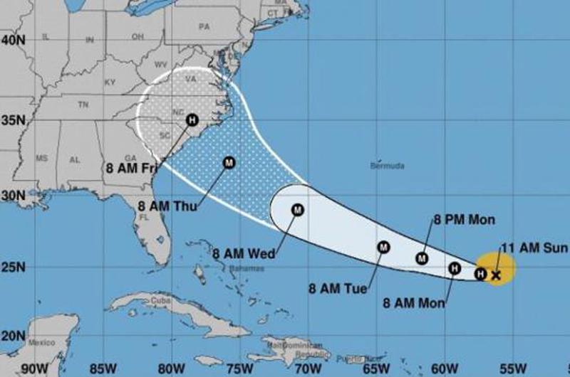 Huracán Florence se fortalece rumbo a Estados Unidos