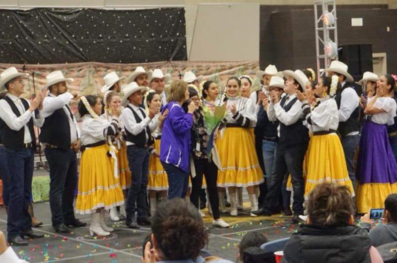 Grupo Folklórico Libertad de Las Vegas rumbo a París