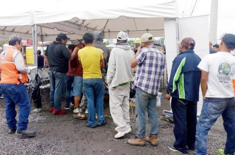 Guatemala organiza retorno de mil 107 migrantes hondureños a su país