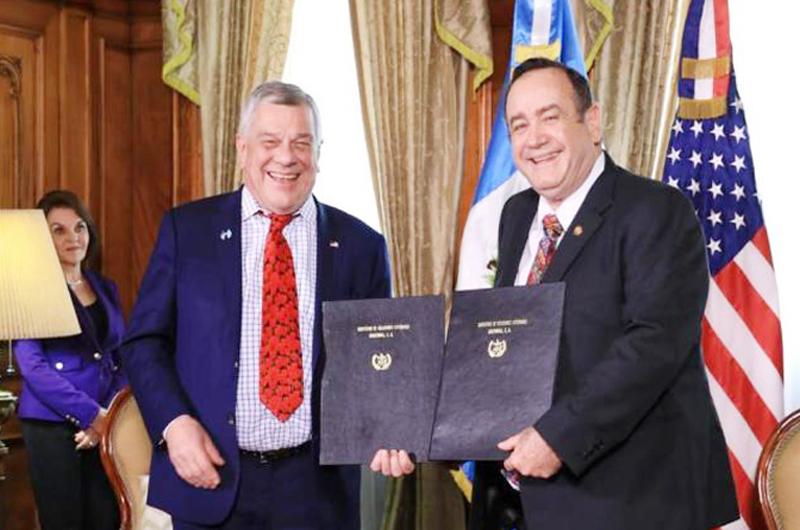 Guatemala y EUA firman  convenio para sector agrícola