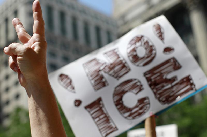Defiende Trump agencia de migración de Estados Unidos ante llamados a abolirla
