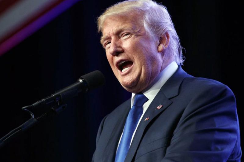 Hillary Clinton ataca a Trump por doble discurso en México