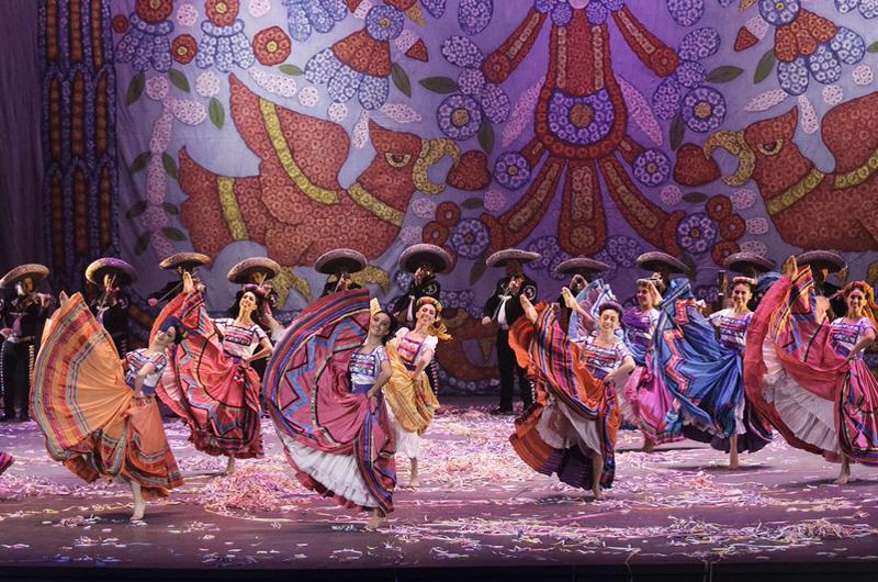 Ballet Folklórico y Mariachi Vargas, juntos en el Castillo de Chapultepec