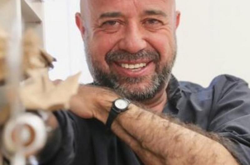 Entregarán doctorado Honoris Causa al escritor mexicano Mario Bellatin