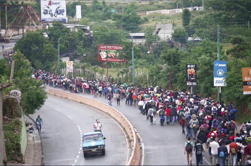 Lamenta CNDH cambio de brazos abiertos a contención severa en migración