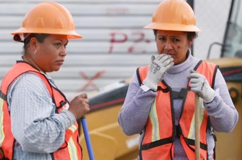 Mujeres requieren oportunidades para elevar su aportación a la economía