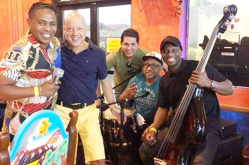 Puro V. Hernández y Space to Pace... El arte de reinventarse de un bajista