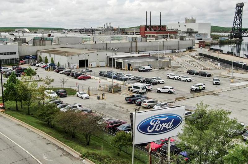 Ford aprovecha el portazo de GM a Donald Trump para criticar a su rival