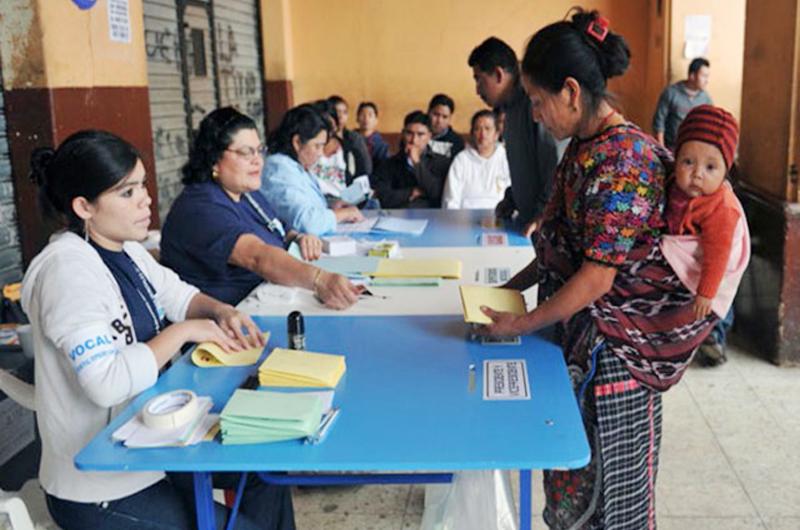 Tribunal electoral de Guatemala niega fraude; siguen las protestas