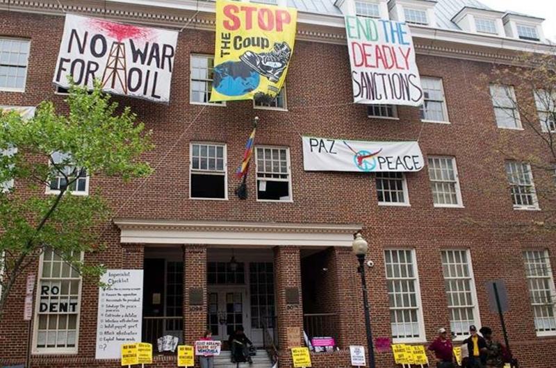 Policía desaloja embajada de Venezuela en Estados Unidos