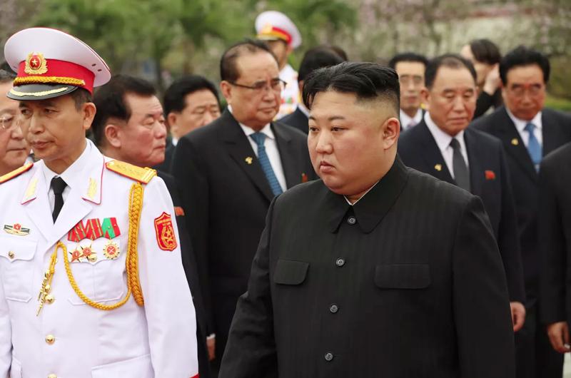 Norcorea suspenderá comunicaciones con Surcorea