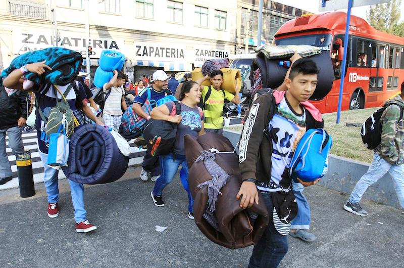 Con sueldos de hasta cinco mil pesos ofrecen empleos a migrantes