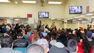 Continúan largos tiempos de espera para recibir atención en oficinas del DMV