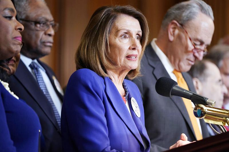 Demócratas presentan ley para dar ciudadanía a Dreamers y beneficiarios de TPS