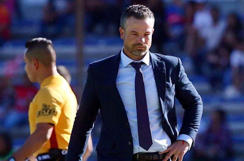 Querétaro despide al técnico Rafael Puente