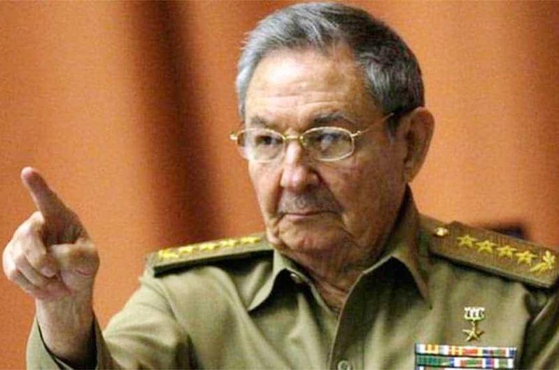 Pretenden procesar a Raúl Castro por derribo de avionetas en 1996
