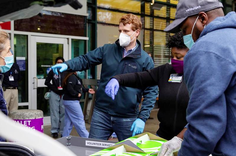 EE.UU. supera las 239 mil 500 fallecidos y los 10,2 millones de casos de coronavirus