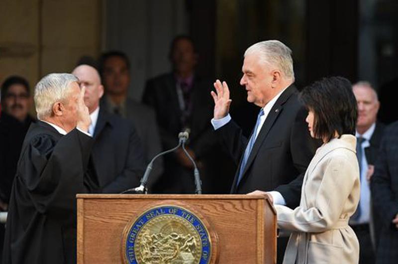 Fue juramentado el gobernador Steve Sisolak