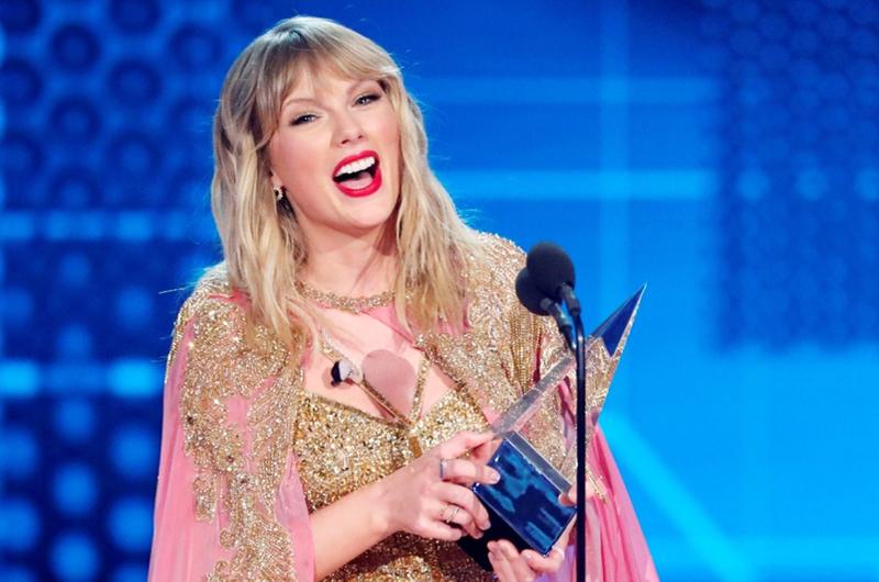 Taylor Swift triunfa en  los American Music Awards