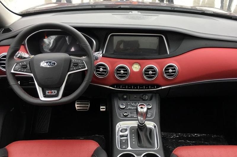 Firma china JAC presentó SUV de lujo en mercado mexicano