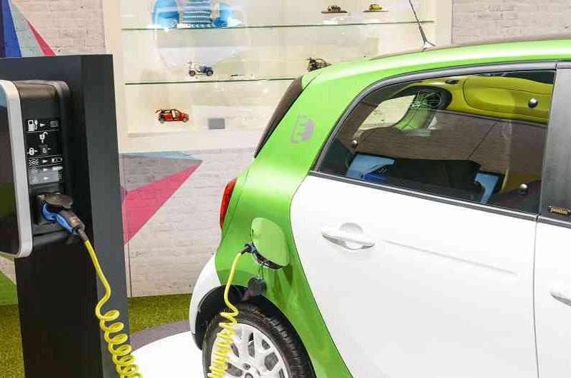 Reducen impuestos a empresas que compren vehículos con tecnología limpia