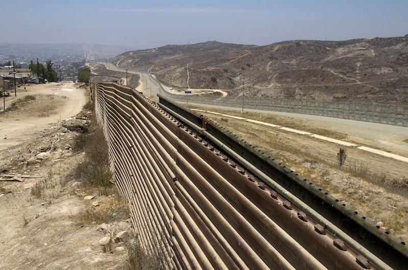 El presidente Trump hará anuncio sobre el muro en frontera México - EU