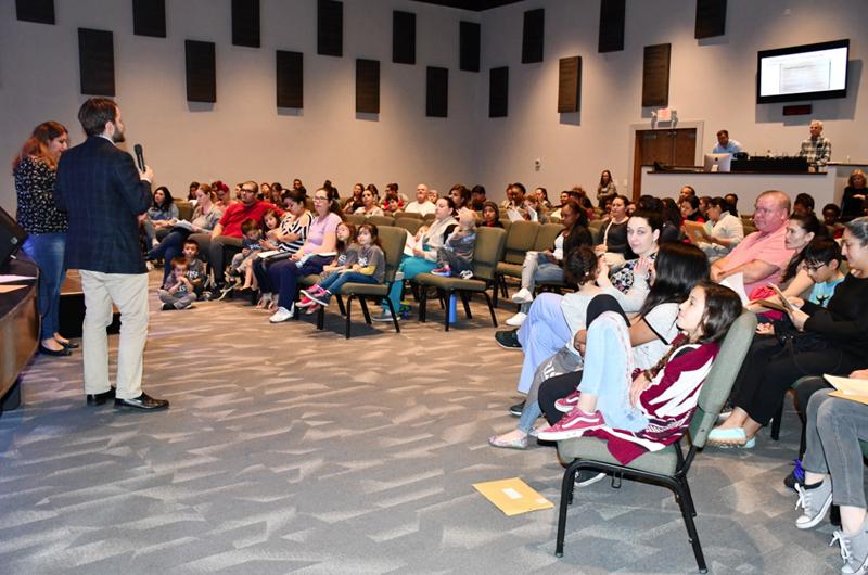 Escuela charter ofrece cupos para niños de Las Vegas