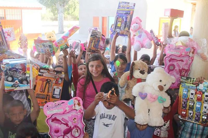 De Las Vegas a Sonora: Acopian juguetes para niños necesitados