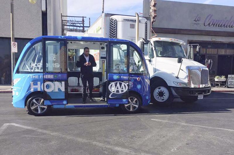 Autobús autónomo choca en Las Vegas