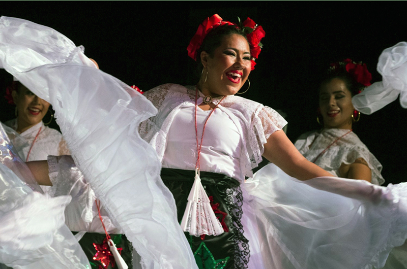 Ballet Folklórico Izel:  Un éxito detrás de otro