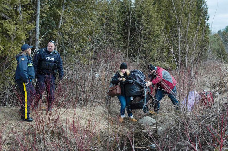 Ministro visita pueblo de Canadá donde hay cruces ilícitos