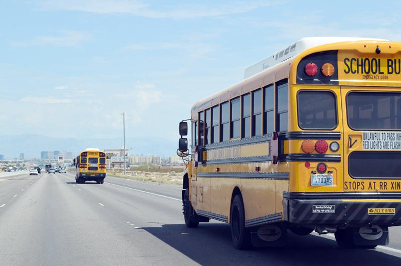 Regreso a la Escuela: Información de rutas de autobuses escolares disponible en línea