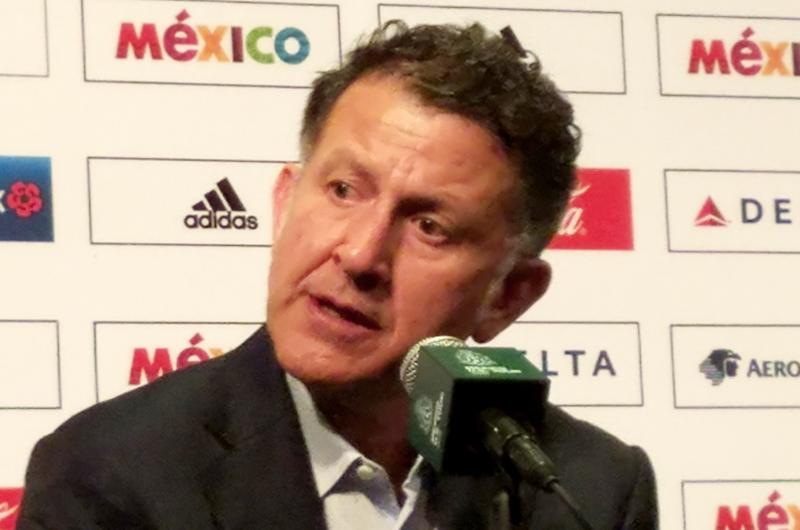 Osorio sigue sin descartar a ningún jugador de la selección mexicana