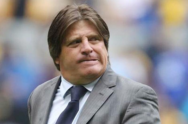 Miguel Herrera sale molesto con empate 1-1 ante Saprissa