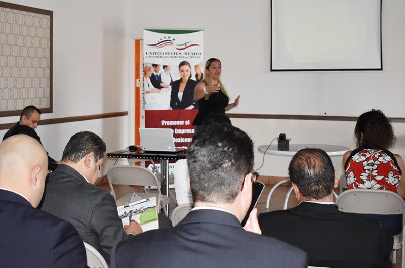 Primer taller de emprendimiento brinda herramientas para salir adelante