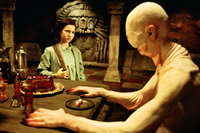 Guillermo del Toro busca director para