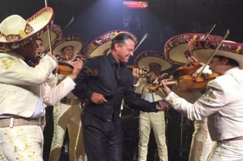 Luis Miguel es un cantante fuera de serie en nuevo material discográfico